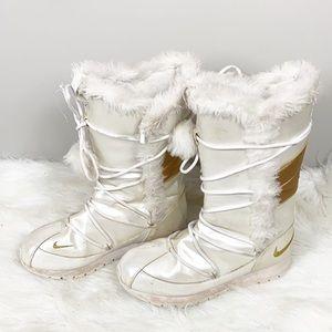 Nike 2008 Retro Apre ski high winter boot size 8.5